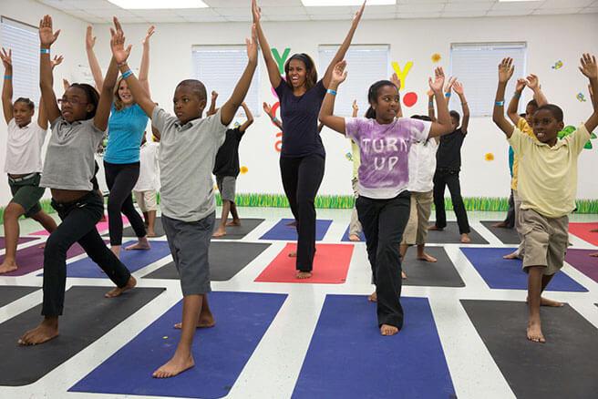 Tôi có thể nâng cao kiến thức về Yoga như thế nào?