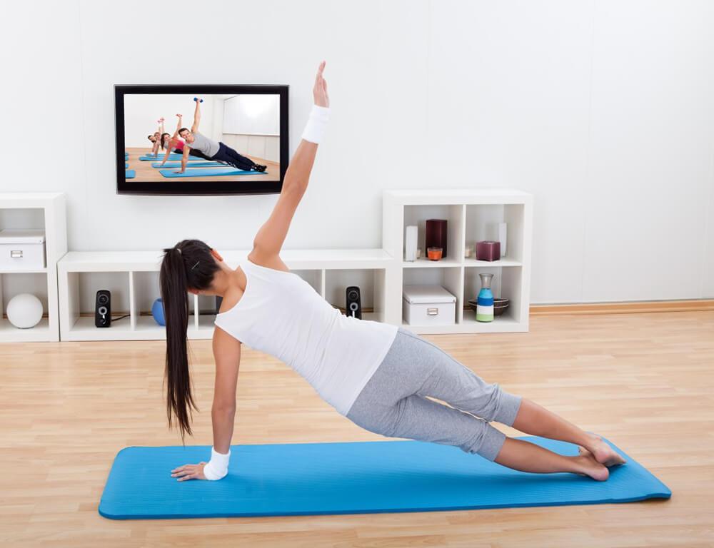 """""""Tập Yoga online"""" với những huấn luyện viên nổi tiếng."""