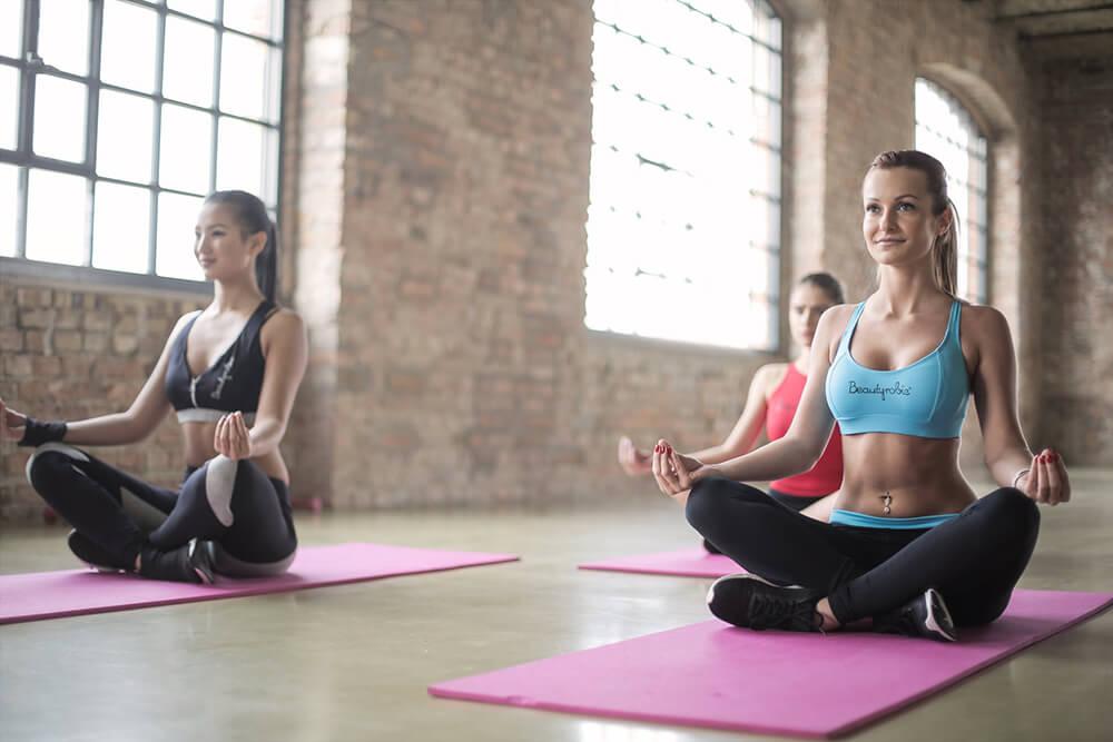 Khởi động trước khi tập Yoga