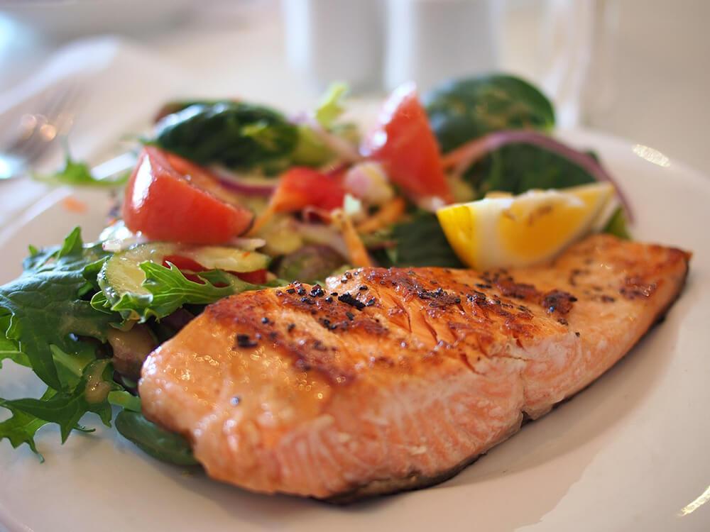 Cá hồi giúp bạn bổ sung năng lượng
