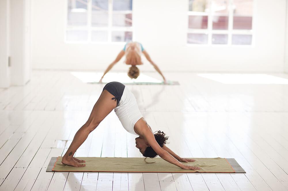 Các động tác cơ bản của loại hình Anusara Yoga