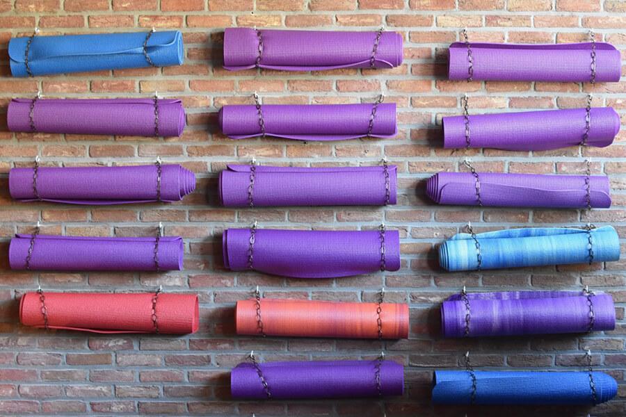 Chọn dụng cụ Yoga chất lượng