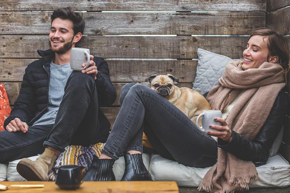 Trong lúc cười bạn sẽ ở trong trạng thái vui vẻ, làm giảm nồng độ cortisol trong huyết thanh, hormone gây căng thẳng chính và tình thần bạn cũng sẽ được cải thiện hơn