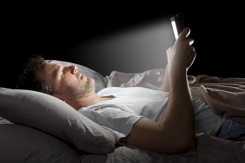 Ngắt kết nối với công nghệ trước khi đi ngủ