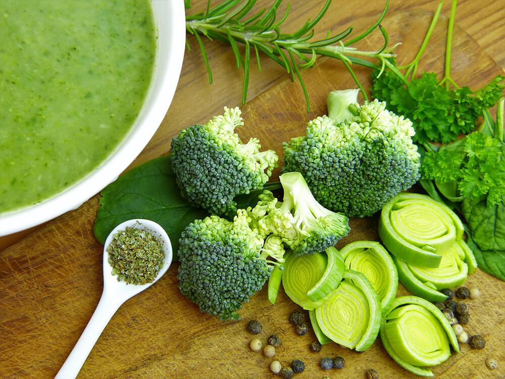 ăn uống nhiều rau xanh cũng có thể giúpgiảm nguy cơ huyết áp cao và bệnh tim mạch vành gây tử vong