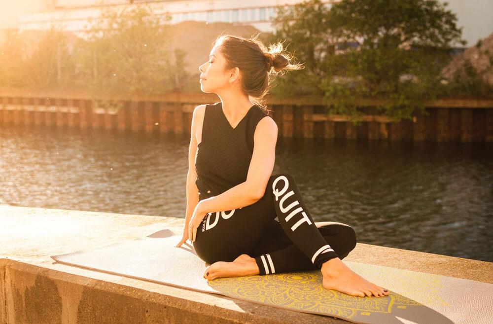 Yoga lúc mặt trời mọc