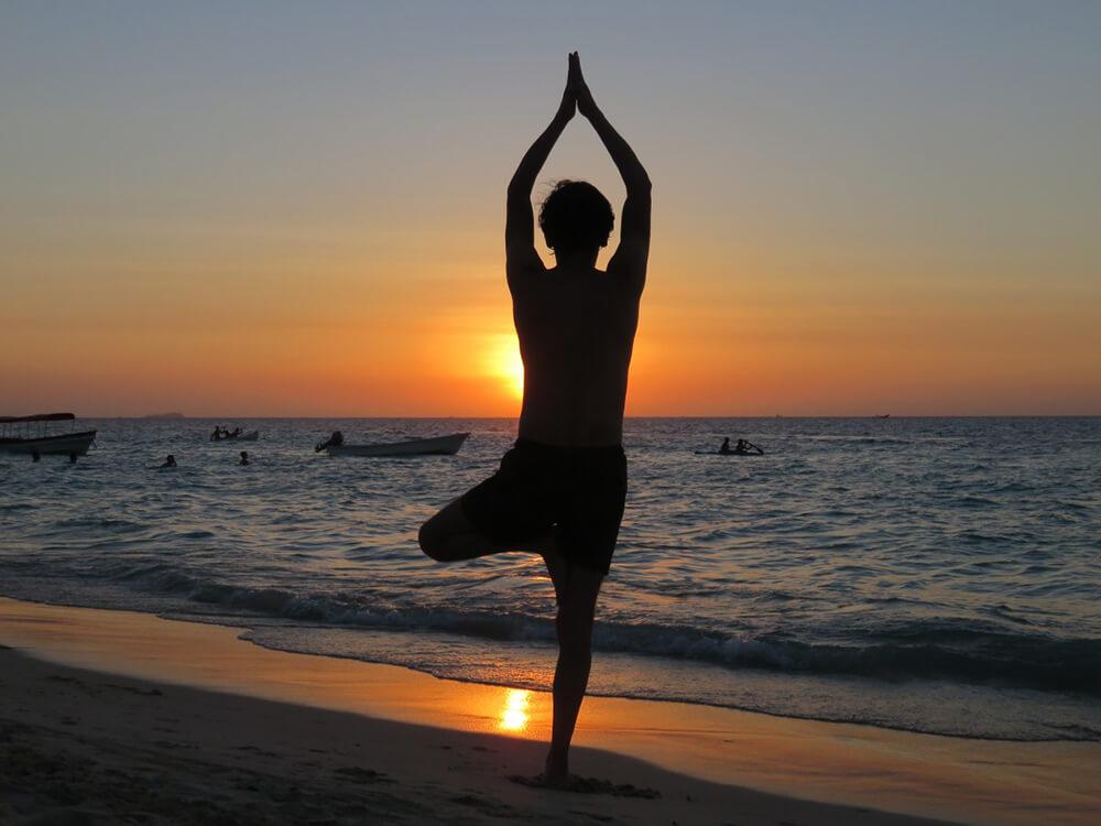 5 tư thế Yoga cho người mới bắt đầu ở độ tuổi trung và cao niên