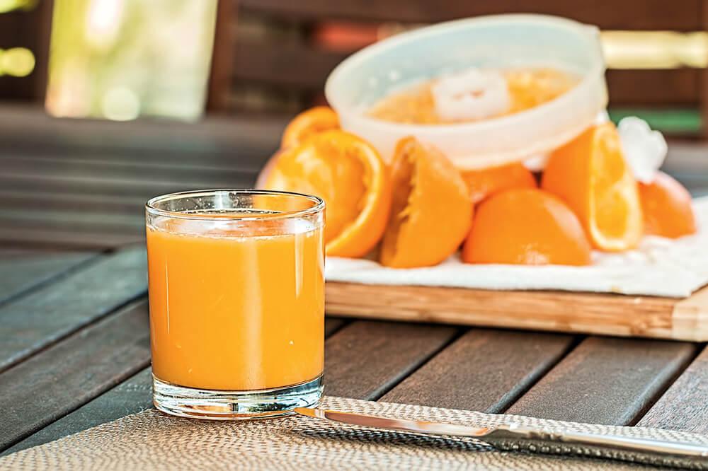 Nước cam - chanh chứa nhiều vitamin C