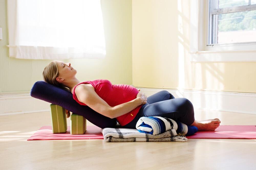 Những gì bạn cần biết vềPrenatal Yoga trước khi bắt đầu