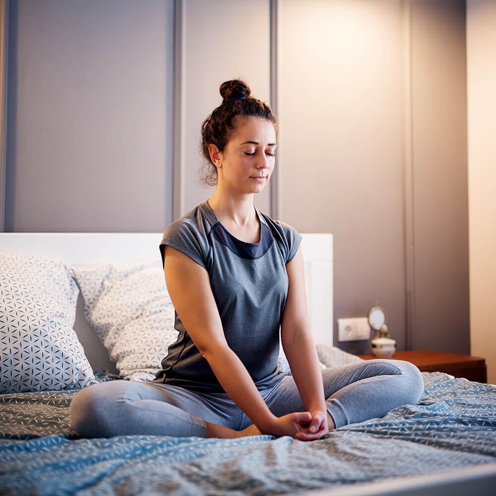 Tập Yoga bắt buộc phải có giáo viên hướng dẫn thì mới tập được