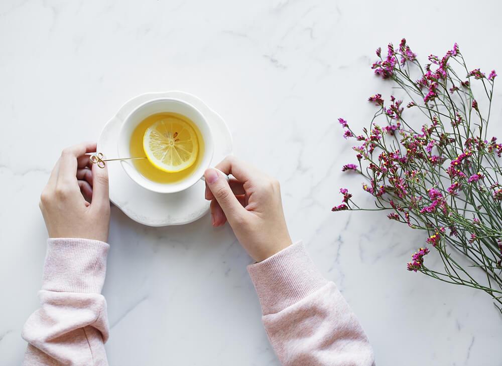 Chanh cũng được coi là một trong những loại thực phẩm tự nhiên chứa chất chống oxy hóa rất cao, ngoài ra chúng còn giúp bạn đào thải độc tố rất tốt ra khỏi cơ thể