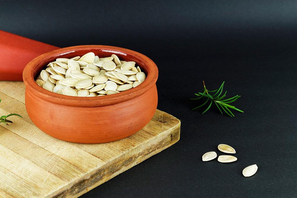 Hạt bí ngô là một món ăn nhẹ ngon miệng không chỉ cung cấp năng lượng mà còn cung cấp các đặc tính giảm căng thẳng